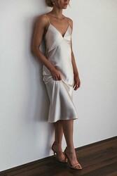 Merry See Sırt Dekolteli Uzun Saten Gecelik Elbise Beyaz - Thumbnail